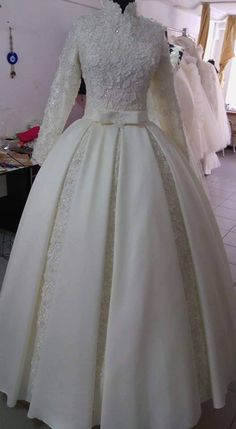 Svadba Muslimah Wedding Dress, Hijab Wedding Dresses, Modest Wedding Gowns, Bridal Dresses, Prom Dresses, Special Dresses, Cute Dresses, Types Of Gowns, Wedding Dress Pictures