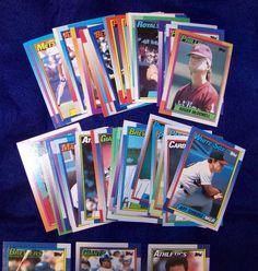Mixed lot of 48 lose 1990 Topps baseball cards Some misprints team name on top