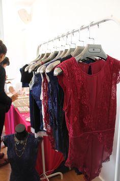 Body en dentelles au vide-dressing Violette Sauvage • Cour du Marais •  body d5f628ae95a