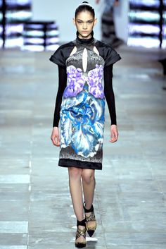look 29 Fall 2012 Ready-to-Wear  Peter Pilotto                            Isabella Melo
