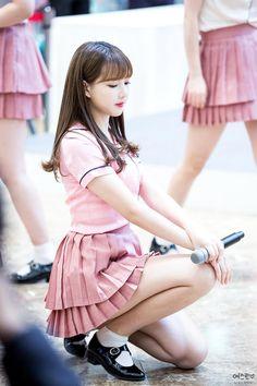 List of Top: 35 Short Skirt Outfits Ideas Pretty Asian, Beautiful Asian Women, Korean Beauty, Asian Beauty, Cute Young Girl, Fat Women, Sexy Skirt, Girls Wear, Short Girls