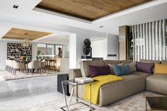 Cape Villa by ARRCC #casalibrary #architecturelovers #livingroom #design #interiordesign #architecture #home #decor #kitchen #bathroom #garden #pool #pooldesign #archilovers #designtrends #landscape #instadesign #designlovers #SouthAfrica