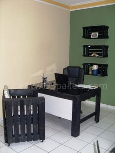 DIY Pallet Office Furniture   ** Follow all of our boards** http://www.pinterest.com/bound4burlingam/