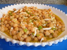 GARBANZOS EN VINAGRETA Spanish Omelette, Spanish Kitchen, Chana Masala, Chutney, Hummus, Beans, Food And Drink, Cooking, Ethnic Recipes