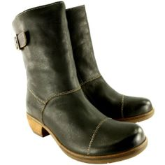 Womens Fly London Meir Mid Calf Motorcycle Leather Buckle Low Heel Boots - Gray - 9 FLY London http://www.amazon.com/dp/B00K5SWX0C/ref=cm_sw_r_pi_dp_3tJQtb0DCZTNAB4F