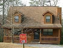 Pigeon Forge, TN: COZY COUNTRY - 2 BR   Loft BR Chalet - Country Oaks Vacation Rental