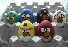 lustige Idee - Eier als geärgerte Vögel bemalen und witzig gestalten