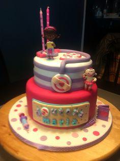 Doc Mcstuffins cake for my baby M, by me! / bolo Doutora Brinquedos feito por mim para a minha M!