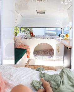 Caravan Makeover, Caravan Renovation, Van Conversion Interior, Camper Van Conversion Diy, Caravan Bunk Beds, Caravan Living, Kombi Home, Retro Caravan, Van Home