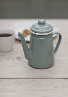 Enamel Coffee Pot in Shutter Blue. Such a cute little coffee pot, perfect for any kitchen or dining area. Little's Coffee, Coffee Logo, Coffee Break, Quirky Kitchen, Country Kitchen, Chandeliers, Marseille Soap, Driftwood Mirror, Dining Ware