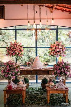 Lindo Casamento de dia   Willian Correa Fotografia     #decor #wedding #casamento #mesadobolo #noivas #bride #fotosdecasamento