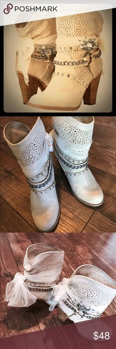 EUC not Rated Aberdeen Boots EUC not Rated Aberdeen Boots! Only worn twice! PERFECT for the party season! Add this simple sophistication to your look! Not Rated Shoes Ankle Boots & Booties