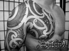 Maori tattoo patterns/symbols and meanings tattoos татуировк Maori Tattoos, Maori Tattoo Frau, Irish Tattoos, Bild Tattoos, Tribal Tattoos, Polynesian Tattoos, Tatoos, Borneo Tattoos, Dragon Tattoos