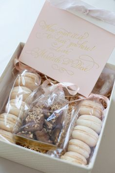 macaron favors or welcome gift Party Gifts, Party Favors, Party Party, Wedding Favours, Wedding Gifts, Welcome Baskets, Little Presents, Wedding Events, Our Wedding
