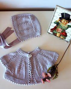 Este diseño habitualmente lo he hecho para bebé enperlé blanco, rosa o azul pálido, pero en esta ocasión he querido probar con un hilo de a...