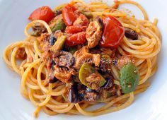 Spaghetti recipe gypsy fast vickyart art in the kitchen Pasta Recipes, Cooking Recipes, Italy Food, Sicilian Recipes, Italian Pasta, Spaghetti, Macaron, How To Cook Pasta, I Love Food