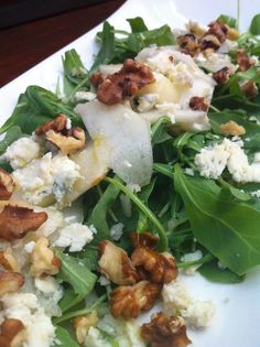 Vegamorfosis: Ensalada de Rúcula , pera y nueces con gorgonzola ... Wine Recipes, Real Food Recipes, Vegetarian Recipes, Yummy Food, Healthy Recipes, Healthy Munchies, Salty Foods, Walnut Salad, Slow Food