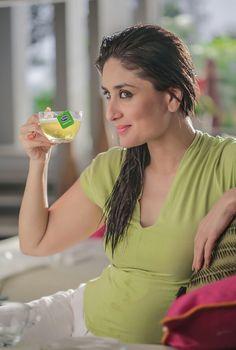 Want excellent suggestions concerning beauty? Go to our great info! Indian Actress Pics, Indian Bollywood Actress, Most Beautiful Indian Actress, Bollywood Fashion, Beautiful Actresses, Indian Actresses, Randhir Kapoor, Kareena Kapoor Khan, Deepika Padukone