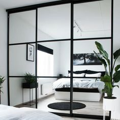 Bedroom Closet Doors, Mirror Closet Doors, Sliding Wardrobe Doors, Sliding Doors, Wardrobe Interior Design, Wardrobe Door Designs, Wardrobe Design Bedroom, Black Mirrored Wardrobe, Wardrobe With Mirror