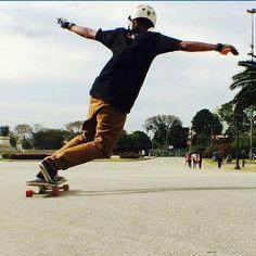 Go drop  Foto @luan09 sempre representando  #sampalongboarders #longboard #longboarding #longboarder #drop #session #photooftheday #slide #downhill #fullslide #trick