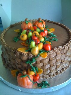 Thanksgiving cake... Add cornucopia and leaves