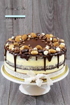 Maková torta s čokoládovou polevou Czech Desserts, Baking Recipes, Dessert Recipes, Raw Cheesecake, Czech Recipes, Cake & Co, Crazy Cakes, Drip Cakes, Something Sweet
