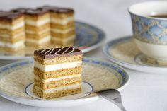Mézes-krémes - - - szódabikarbónával Hungarian Recipes, Christmas Is Coming, Vanilla Cake, Nutella, Chocolate Cake, Tiramisu, Paleo, Food And Drink, Sweets