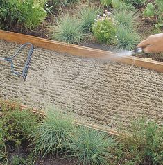 Flagstone path step 3 - How to Install a Flagstone Path - Sunset Mobile Side Yard Landscaping, Backyard Walkway, Outdoor Walkway, Flagstone Pathway, Walkways, Garden Yard Ideas, Backyard Projects, Garden Paths, Weekend Projects