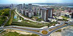 Tema İstanbul fiyat listesi 506 bin liradan başlarken,Türkiye'nin ve Avrupa'nın en büyük gayrimenkul projesi Tema İstanbul'a yaz avantajlarla geldi. Detaylar şöyle… Mesa, Avrupa Konutları, Kantur – Akdaş, Öztaş ortaklığı tarafından hayata geçirilen Tema İstanbul, İstanbul'un en hızlı değer kazanan bölgelerinden Atakent'in en gözde projesi olarak konumlanıyor. 5 yıldızlı tatil konseptinde tasarlanan ve benzersiz olanaklar sunan ...