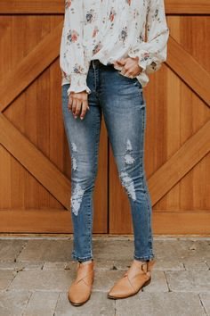 Distressed Medium Wash Jeans | ROOLEE