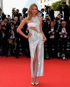 Karlie Kloss de Atelier Versace - Cannes 2015