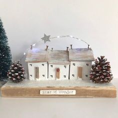 Christmas decoration of little wooden houses with lights, Driftwood art house ornament Diy Christmas Baubles, Christmas Window Decorations, Homemade Christmas Decorations, Christmas Makes, Christmas Home, Christmas Crafts, Holiday Decor, Driftwood Crafts, Wooden Crafts