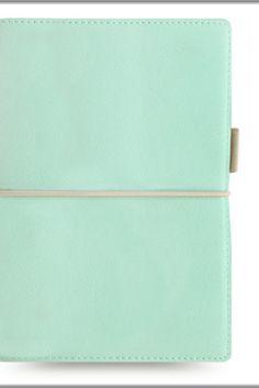 #intupaper #malen #zeichnen #papiergeschäft #staffelei #papierwaren #kuenstlerin #kuenstler #farben #bleistift #zeichnenlernen #zeichnenmitbleistift #architekturstudent #studentenleben #studi #viennaart #künstlerbedarf #schreibwaren #malen #aquarell #skizzen #malerei #papierware #freihausviertel #wieden Painting & Drawing, Continental Wallet, About Me Blog, Drawings, Bags, Kid Science, Easel, Stationery Set, Student Living