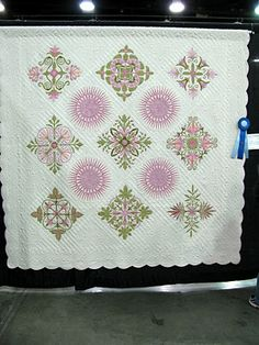 Best in Show @ Oklahoma Quilt Show Beautiful hand Quilting by Janet Brown