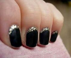 Incredible Black and gold glitter nails for New Year's Eve. Wild Shine Nail Polish in Black Crème, Mega Rocks in Waiting For My Solo The post Black and gold glitter nails for New Year's Eve. Wild Shine Nail Polish in Black… appeared first on Nails . Get Nails, Love Nails, How To Do Nails, Pretty Nails, Hair And Nails, Gorgeous Nails, Nagellack Design, Nagellack Trends, Nail Art Designs