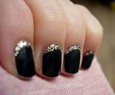 Uñas negras con escarcha!