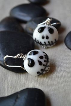 Dainty Jack Skellington Lamp work Glass Bead by uniquebeadingbyme #jackskellington #earrings #jewelry #halloween
