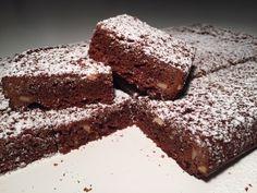 Hvem elsker ikke bare chokolade? Her får du opskriften på super nemme og lækre chokoladesnitter, som helt sikkert vil stille din chokolade trang...