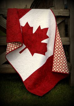 Canadian Baby Quilt Pattern - patriotic baby quilt to the true north strong and free - red and white with the maple leaf - flag quilt Patriotisches Baby des kanadischen Baby-Steppdecken-Musters durch RobinsonPatternCo Flag Quilt, Quilt Blocks, Paper Piecing, Canadian Quilts, Canadian Flags, Canadian Maple, Quilts Canada, Maple Leaf, Quilt Of Valor