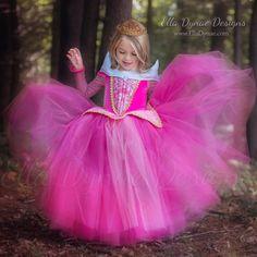 CHRISTMAS DELIVERY Sleeping Beauty Aurora Costume por EllaDynae