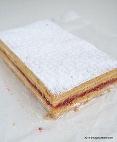Prajitura Albinita (Dulcineea) cu foi cu miere si crema de gris | Savori Urbane Romanian Desserts, Eat Dessert First, Vanilla Cake, Cheesecake, Deserts, Dessert Recipes, Food And Drink, Sweets, Bread