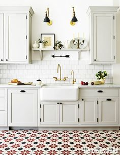 #NowPinning: 15 Beautiful Kitchens That Will Make You Want to Renovate via @MyDomaineAU