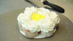 Video: How to Make a Pull-Apart Cupcake Cake