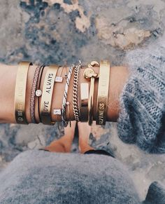 styling tips mix pulseiras street style                                                                                                                                                     More