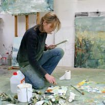 Hannah Woodman was born in 1968 in Totnes, Devon. She studied at Exeter College of Art and Design and the Courtauld Institute of Art, London, before training to teach at the London Institute of Education. Having taught and lectured in schools, museums and galleries for six years she turned to painting full time