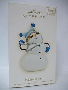 2011 Hallmark WHERE EVERYBODY KNOWS YOUR NAME Cheers Bar Sign MAGIC Ornament
