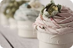 Little Birdie Secrets: cupcake gift boxes {guest tutorial}