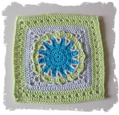 SmoothFox Crochet and Knit: SmoothFox's Starburst Flower Square 12x12 - Free Pattern