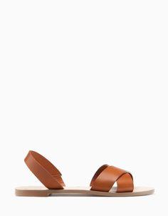 Sandalia plana piel