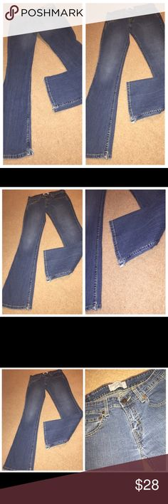 Levi's Strauss stretch lowrise bootcut jeans Sz 3M 081317-28 drnerds  Levi's Strauss stretch lowrise bootcut denim jeans, Sz 3M Levi Strauss stretch lowrise bootcut 99% cotton/1% spandex denim jeans, Sz 3M Waist - 28 Inseam -31 Levi's Jeans Boot Cut